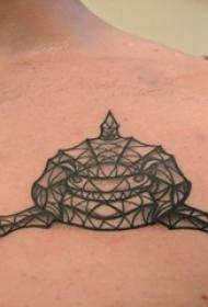 男生肩部黑灰点刺几何线条小动物鲨鱼纹身图片