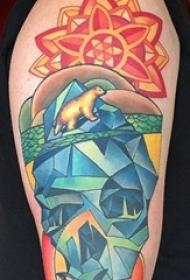 男生手臂上彩绘数次素描多元素花纹骷髅花臂纹身图片