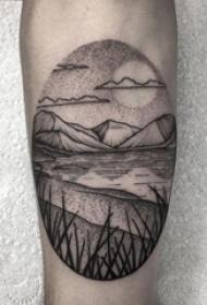 男生手臂上黑灰素描点刺技巧创意文艺风景纹身图片