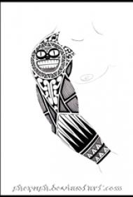 个性的黑色几何线条创意手臂纹身手稿