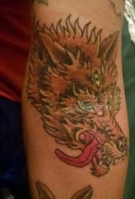 男生手臂上彩绘水彩素描创意龙图腾纹身图片