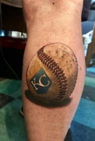 男生手臂上彩绘水彩素描创意棒球纹身图片