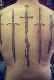 男生后背上黑灰点刺抽象线条创意剑纹身图片