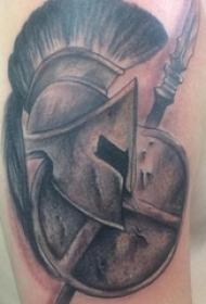 男生手臂上黑灰点刺简单抽象线条帅气盔甲纹身图片