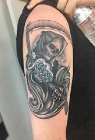 黑灰素描点刺技巧创意骷髅抽象人物纹身图片