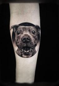 女生手臂上黑色点刺几何简单线条小动物小狗纹身图片