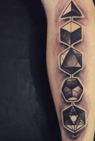 男生手臂上黑色点刺简单线条立体几何纹身图片