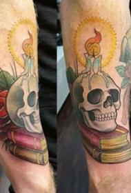 男生手臂上彩绘水彩素描霸气精致骷髅纹身图片