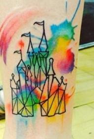 男生小腿上黑色线条城堡七彩泼墨纹身图片