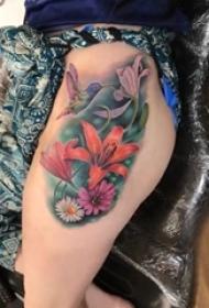 女生大腿上彩绘水彩素描文艺唯美花朵精致纹身图片
