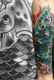 女生手臂上彩绘水彩素描创意文艺鲤鱼动物纹身图片