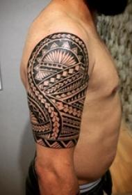 多款黑灰素描点刺技巧几何元素创意霸气部落图腾纹身图案