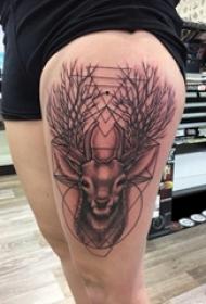 男生大腿上黑色点刺几何简单线条小动物鹿纹身图片