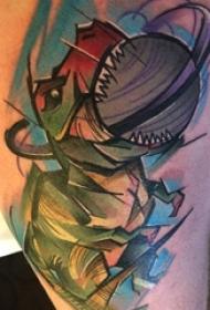 男生大腿上彩绘渐变抽象线条动物恐龙纹身图片
