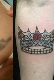 女生手臂上彩绘水彩素描创意文艺精美皇冠纹身图片
