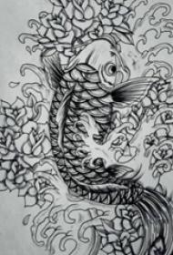 黑色线条素描创意文艺锦鲤纹身手稿