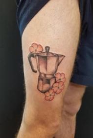 男生大腿上彩绘渐变几何简单线条杯子和花朵纹身图片