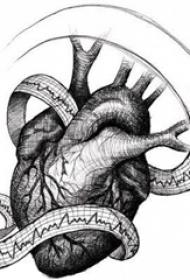 黑灰素描创意经典心脏纹身手稿