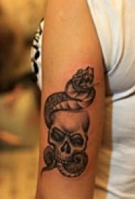 酷黑艺术骷髅纹身