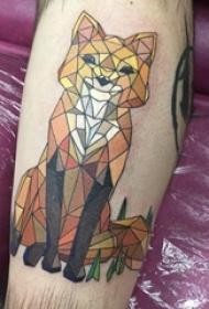 百乐动物纹身 男生小腿上可爱的狐狸纹身图片