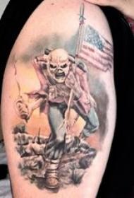 美国士兵纹身 男生大臂上彩色的骷髅美国士兵纹身图片