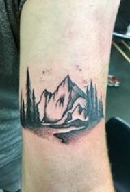 山脉纹身 男生手臂上黑色的山脉纹身图片
