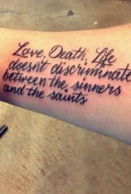 花体英文纹身 男生手臂上简单线条纹身花体英文纹身图片