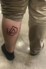 极简线条纹身 男生小腿上黑色的线条纹身图片