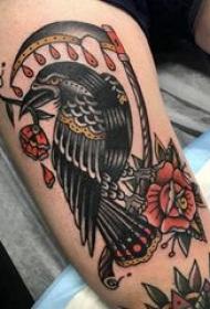小鸟纹身图案 女生大腿上小鸟纹身图案