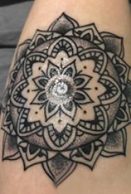 梵花纹身 女生手臂上梵花纹身唯美图片