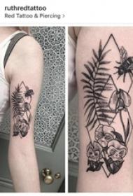 几何花朵纹身图案 女生手臂上黑色纹身几何花朵纹身图案
