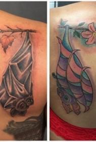 纹身蝙蝠 情侣后背上植物和蝙蝠纹身图片