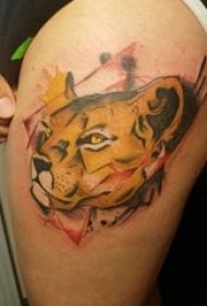 豹子头纹身 女生大腿上豹子头纹身图片