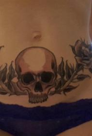 腹部纹身 女生腹部植物和骷髅纹身图片
