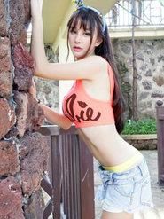 写真女神Cheryl青树完美曲线美腿写真壁纸大全