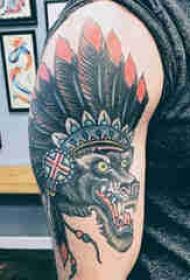 印第安羽毛纹身 男生手臂上狼和印第安羽毛纹身图片