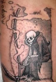 小腿对称纹身 男生小腿上黑色的镰刀死神纹身图片