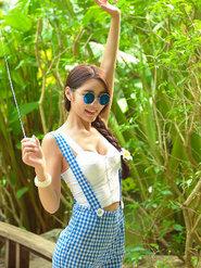 写真女神徐妍馨Mandy清纯甜美发型性感迷人美乳惹火写真美女脱衣