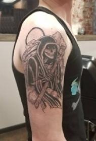 死神纹身 男生大臂上黑色的骷髅死神纹身图片