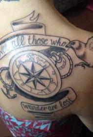 纹身指南针  男生后背上鸟和指南针纹身图片
