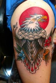 纹身老鹰图片  男生手臂上彩绘的老鹰纹身图片