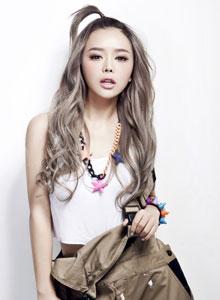 时尚女装模特裴紫绮靓丽无限纯情写真