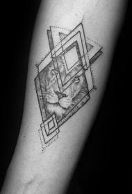 色调沉闷的几何纹身图案