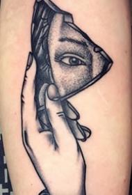 欧美肖像纹身    手臂上大腿上黑白灰人物纹身的欧美肖像纹身图案