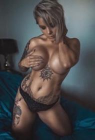 9张很性感的欧美纹身美女图片欣赏