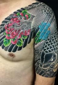 传统风格的几张半胛纹身图案图片