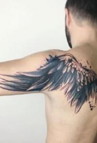 漂亮的个性翅膀纹身图案图片