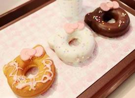 HelloKitty样式的甜甜圈图片
