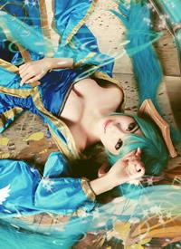 cosplay《英雄联盟》琴瑟仙女娑娜