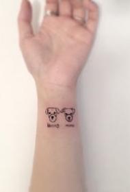 手腕上超简单的一组小纹身图案作品